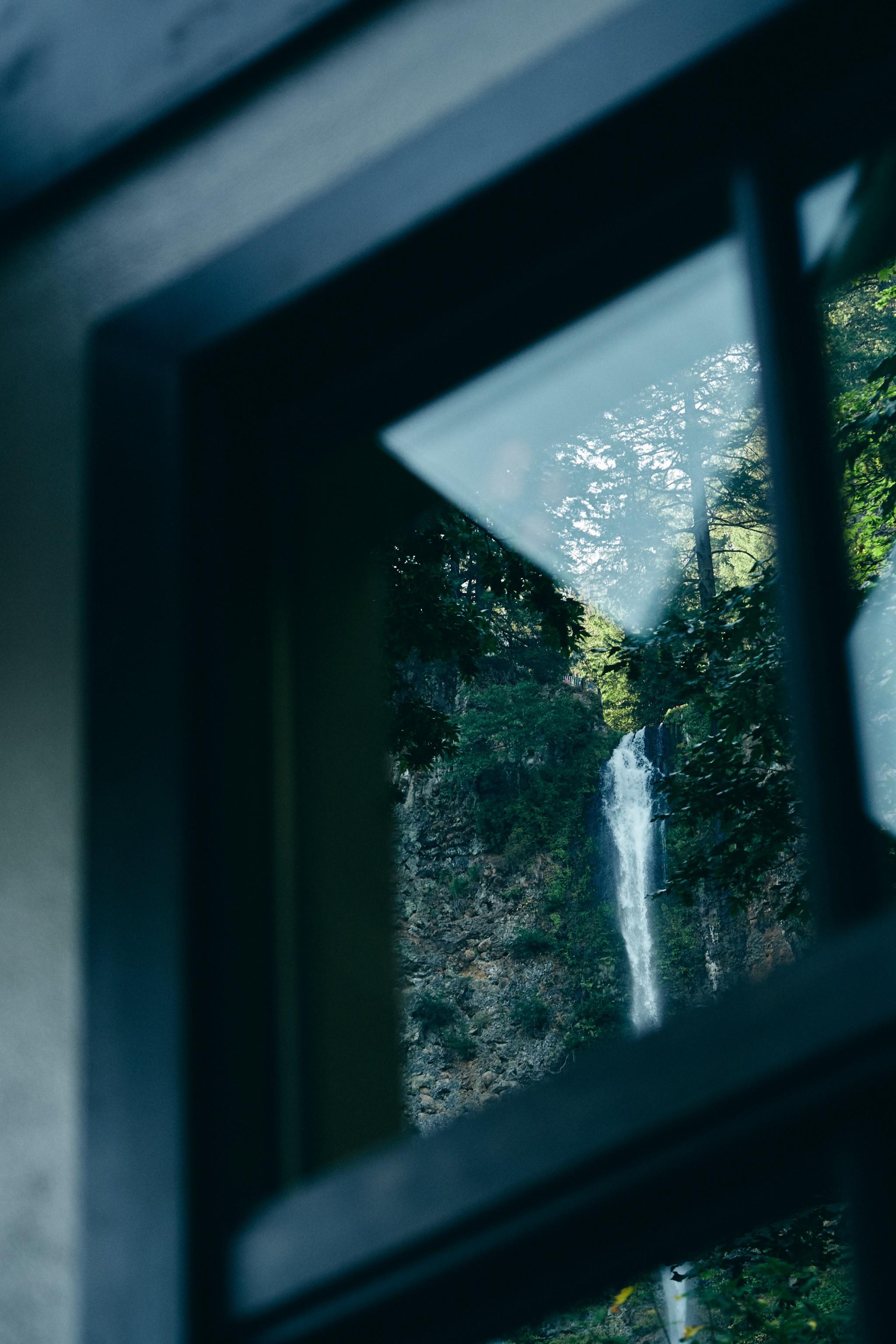 01-Multnomah-Falls.jpg