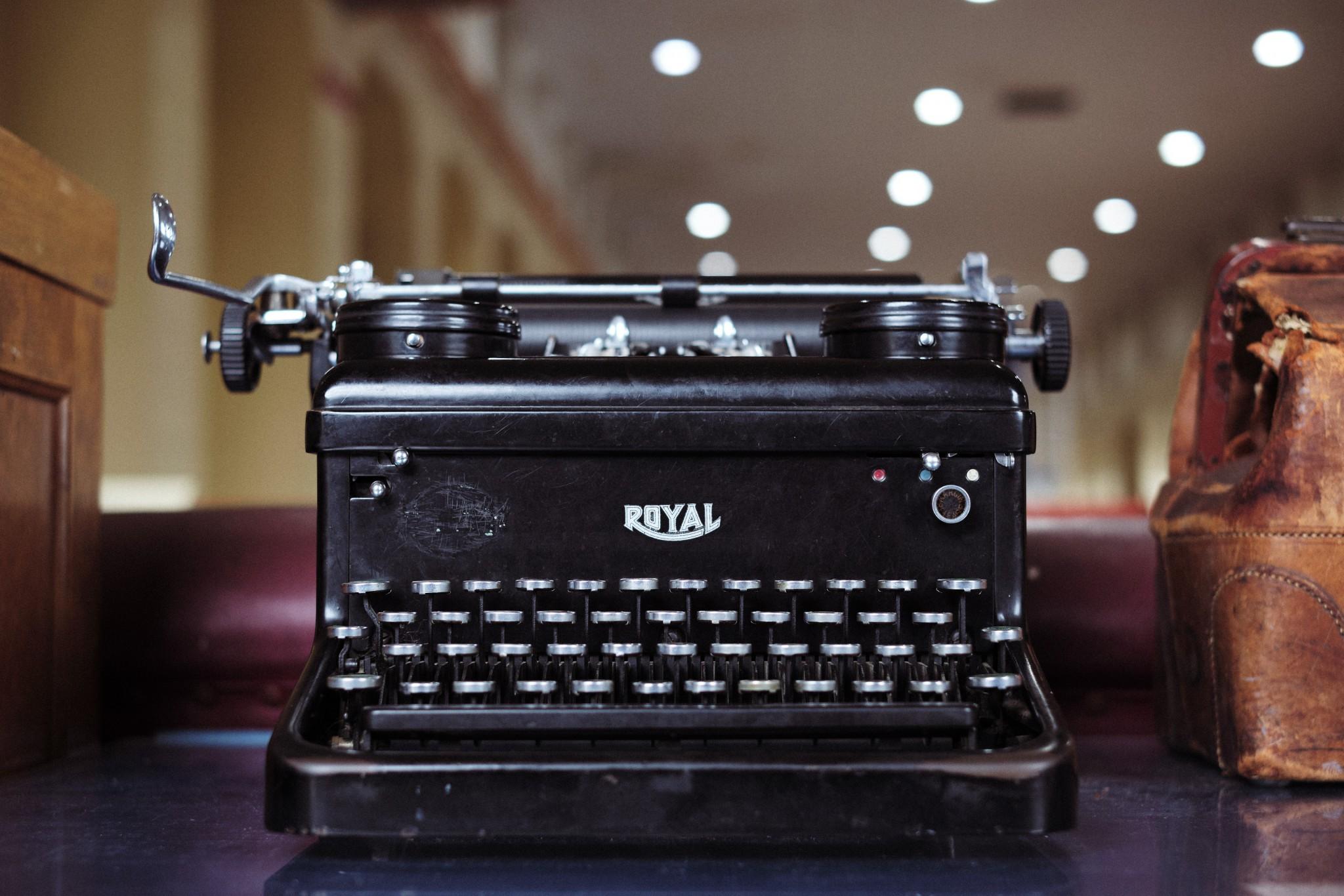 06---Royal-typewriter.jpg