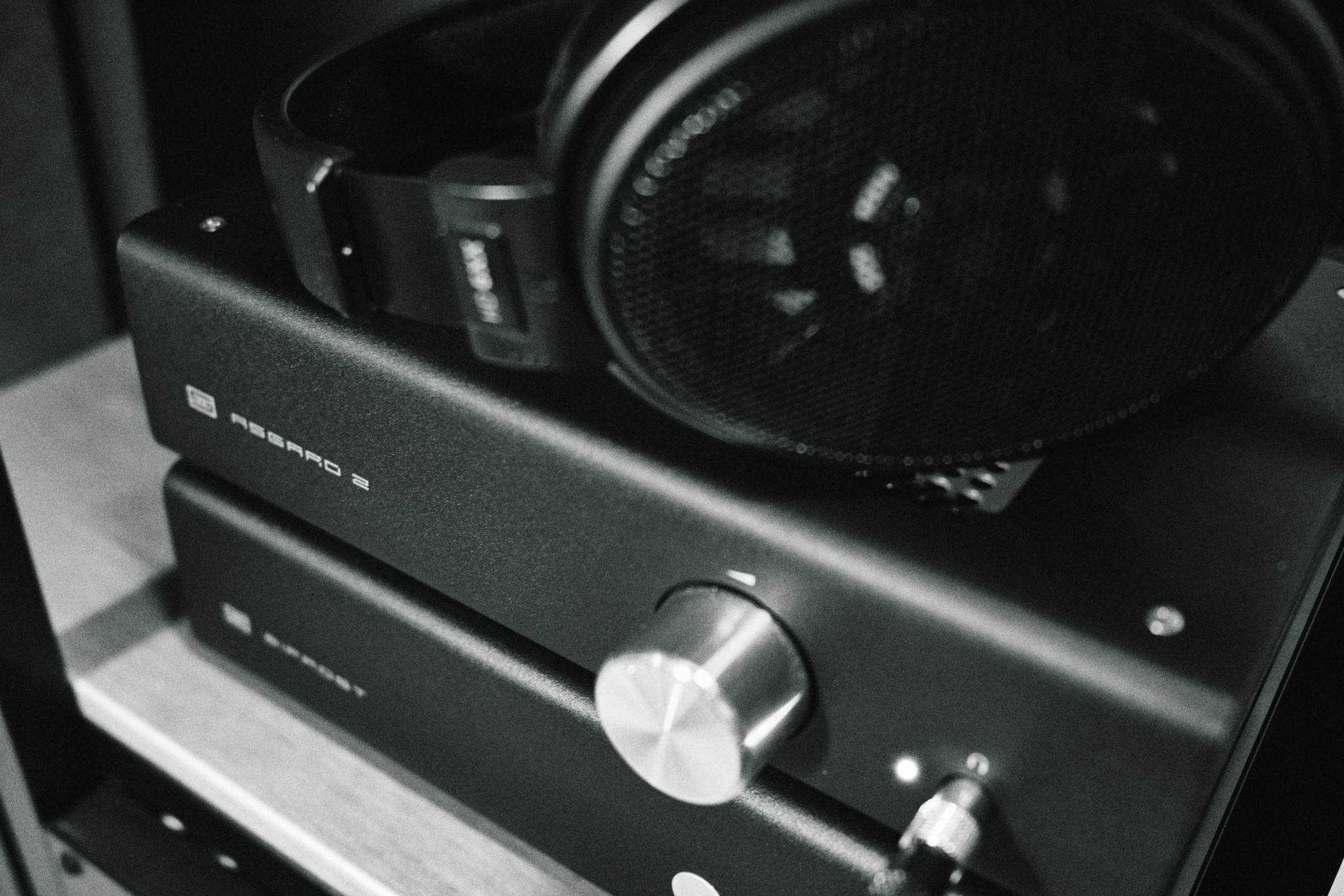04-Sennheiser-HD6XX.jpg